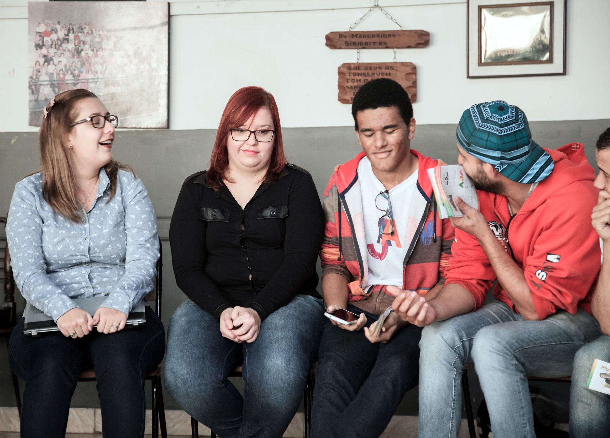 Moçada da AJA – Associação da Juventude Ativa – sempre presentes (Kauan Alves Talarico, Juliana Negruzzi, Aline Magalhães, Ronaldo Henrique do Monte, Leonardo Augusto Bernardo).