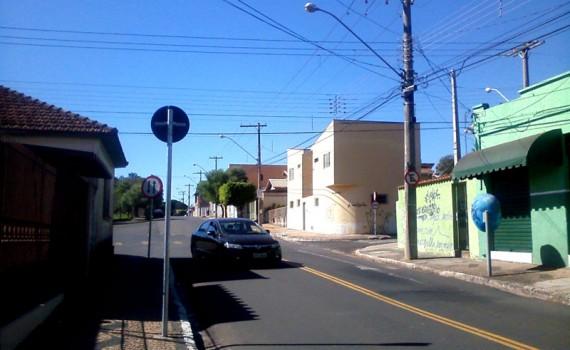 RCOL_avenida24A_rua12A_01
