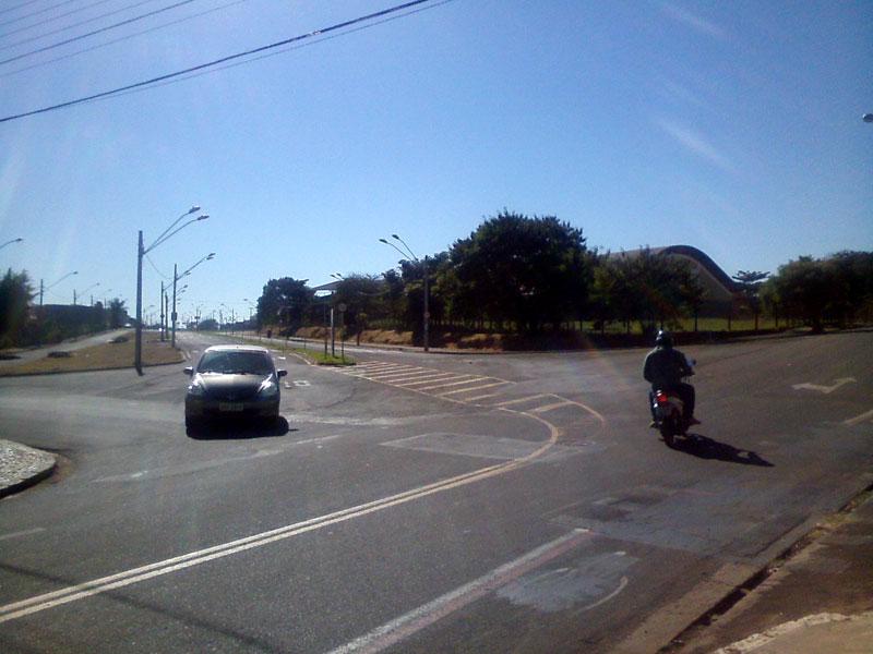 RCOL_avenida24A_rua12A_03